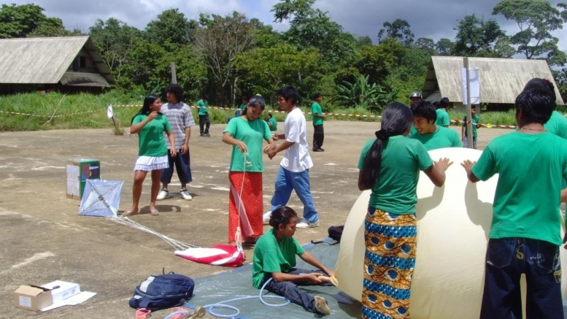 En 2009, les élèves de Camopi ont lancé un ballon stratosphérique © D. Baur