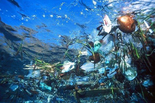 Un gigantesque amas de plastique menace le Pacifique  © WorldPress