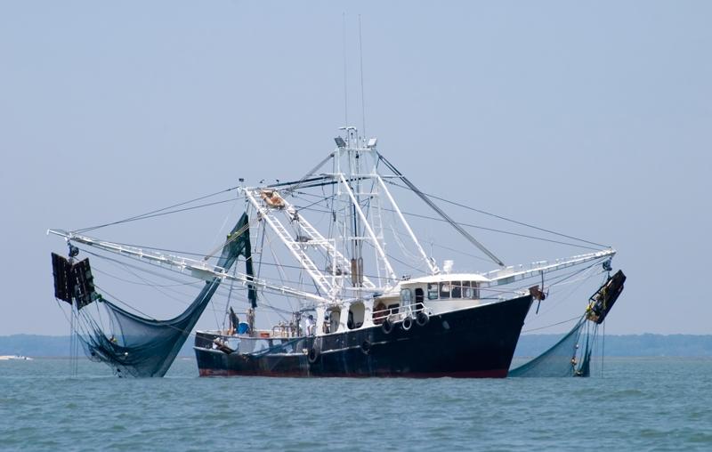 Bateau de pêche surveillé grâce à CLS. Crédits : CLS.