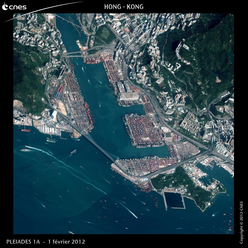 Hong-Kong vu par le satellite Pléiades 1A : des buildings, des containers et des navires…